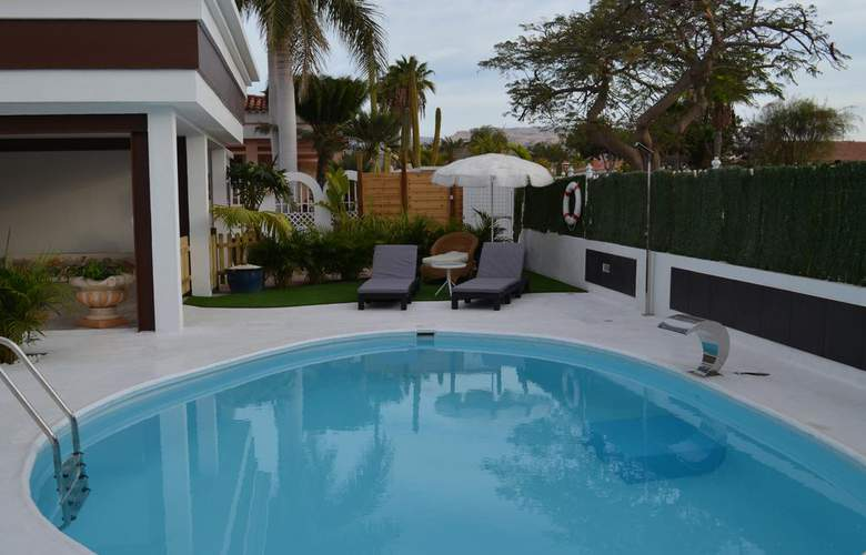 Apartamentos Lacy - Pool - 2