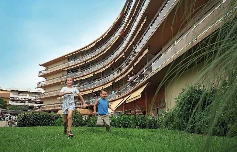 Residence Pierre & Vacances Heliotel Marine - Hotel - 2