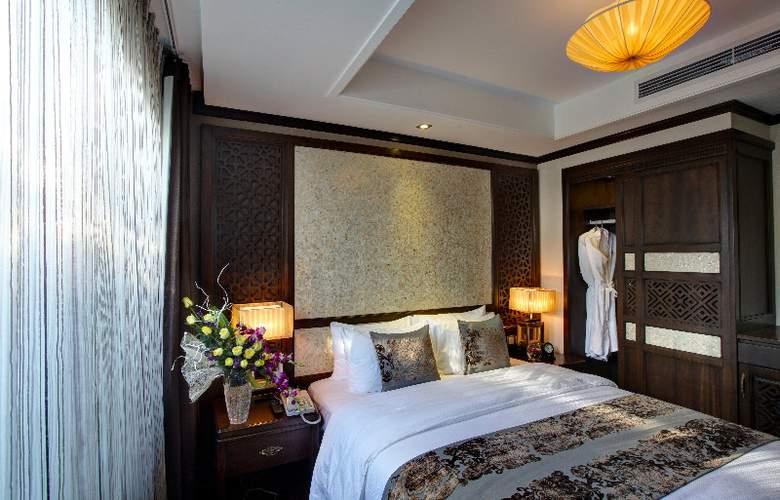 Golden Lotus Luxury Hotel - Room - 9