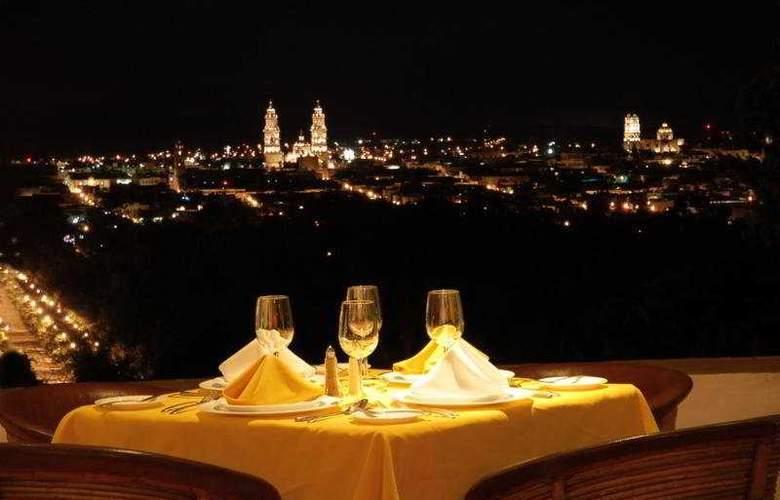 Villa San Jose Hotel & Suites - Terrace - 10