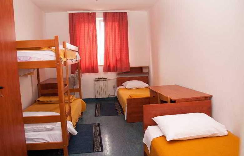 Omladinski Hostel - Room - 1