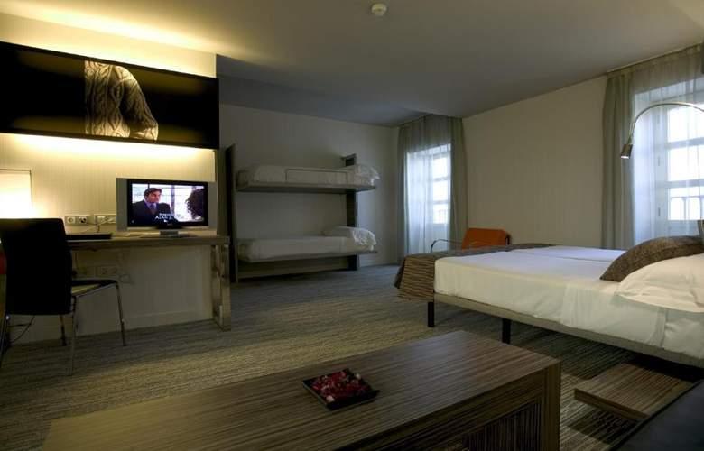 Petit Palace Santa Cruz - Room - 14