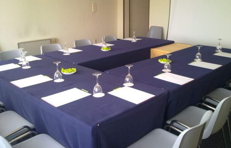 Santiago Apostol - Conference - 14