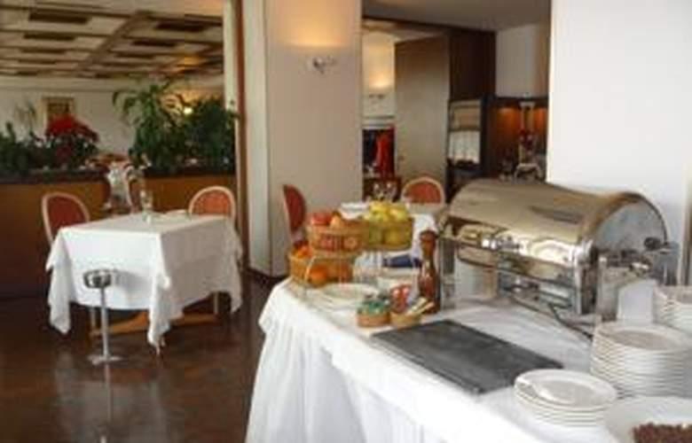 Starhotels Cristallo Palace - Restaurant - 2
