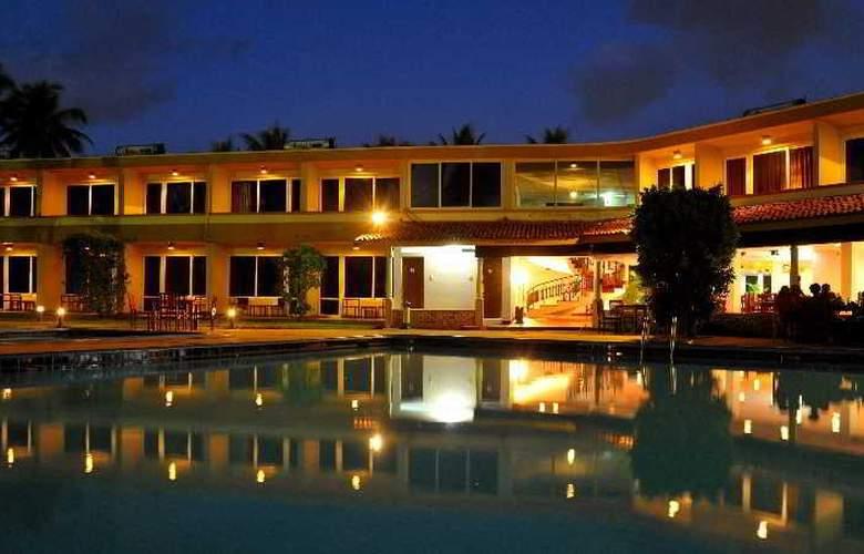 Palm Village - Hotel - 3