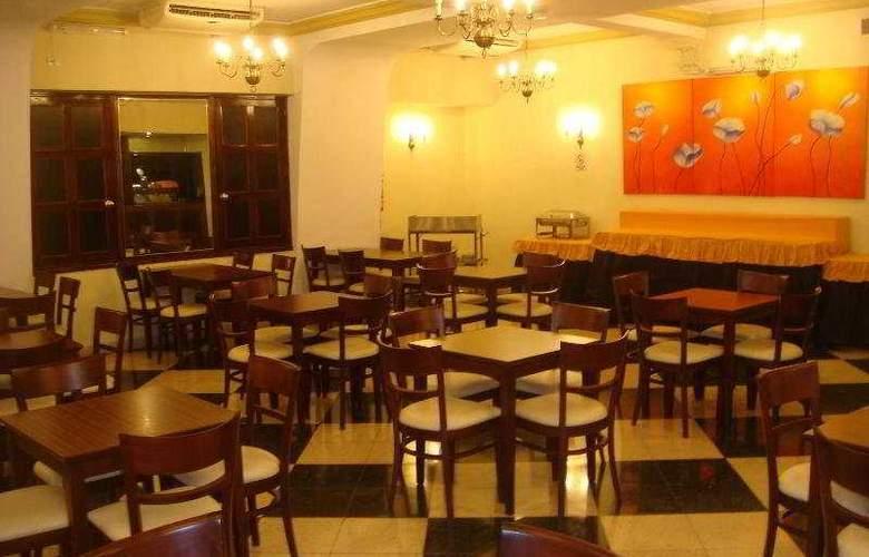 Hotel Promenade - Restaurant - 17
