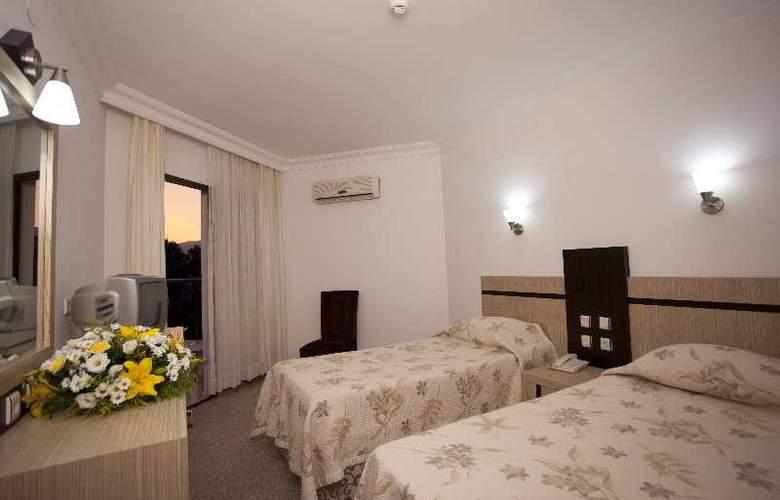 Monte Carlo Hotel - Room - 5