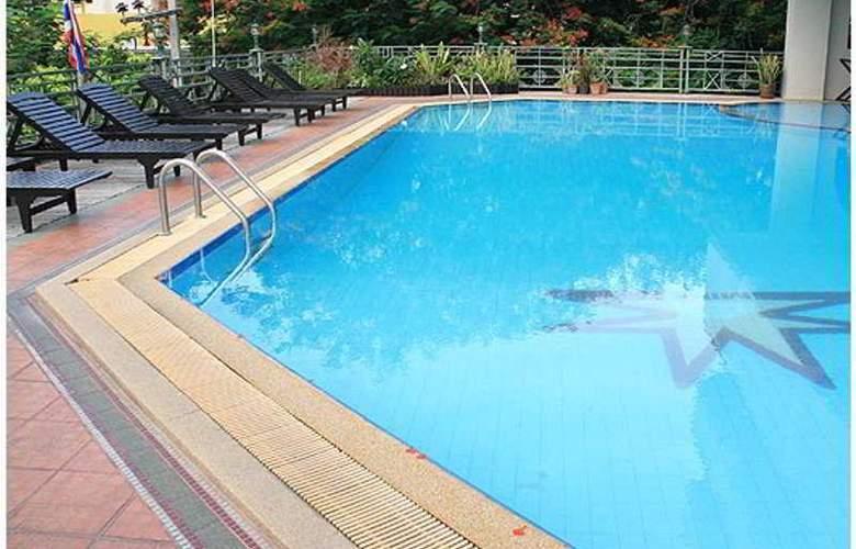 Mike Beach Resort - Pool - 1
