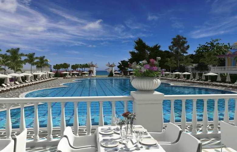 Rubi Platinum Spa Resort & Suites - Pool - 3