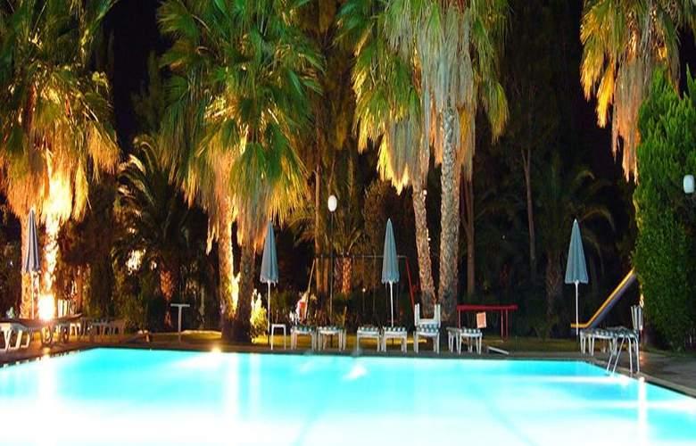 Nina Beach - Pool - 6