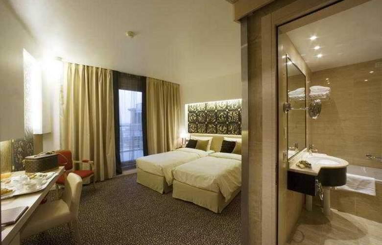 Antony Palace - Room - 19
