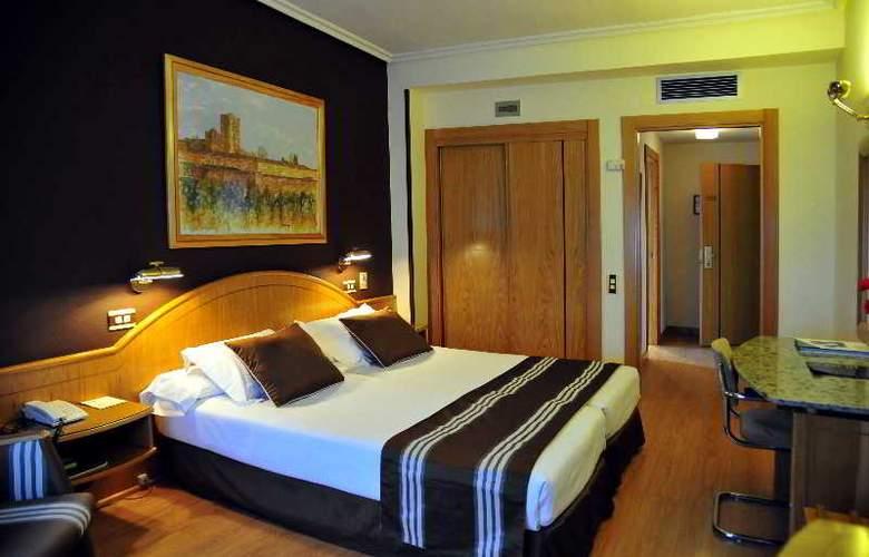Zenit Dos Infantas - Room - 11