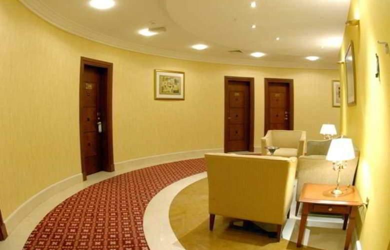 Royal Qatar - Room - 13