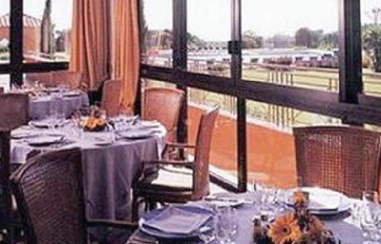 Holiday Inn Resort Naples Castel Volturno - Restaurant - 8