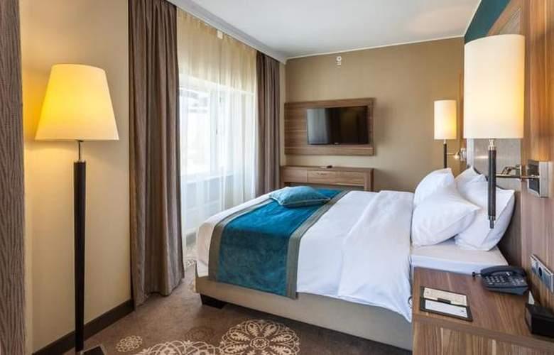 DoubleTree by Hilton Tyumen - Room - 17