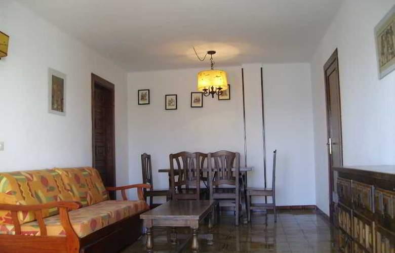 Apartamentos Los Angeles I y II - Room - 9