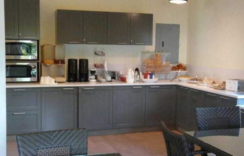 Comfort Inn & Suites Market Center - Room - 4