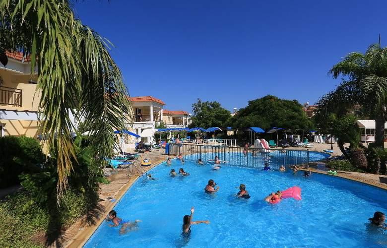 Jacaranda - Pool - 3