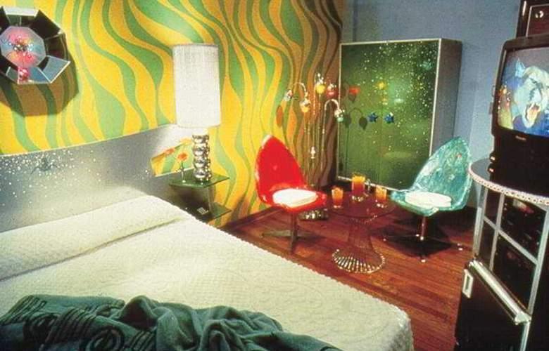 Pelican Hotel - Room - 2