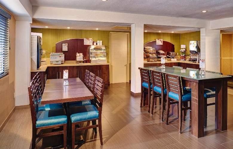 Holiday Inn Express San Diego South Bay - Restaurant - 12