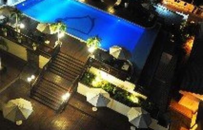 Hodelpa Gran Almirante Hotel & Casino - Pool - 3