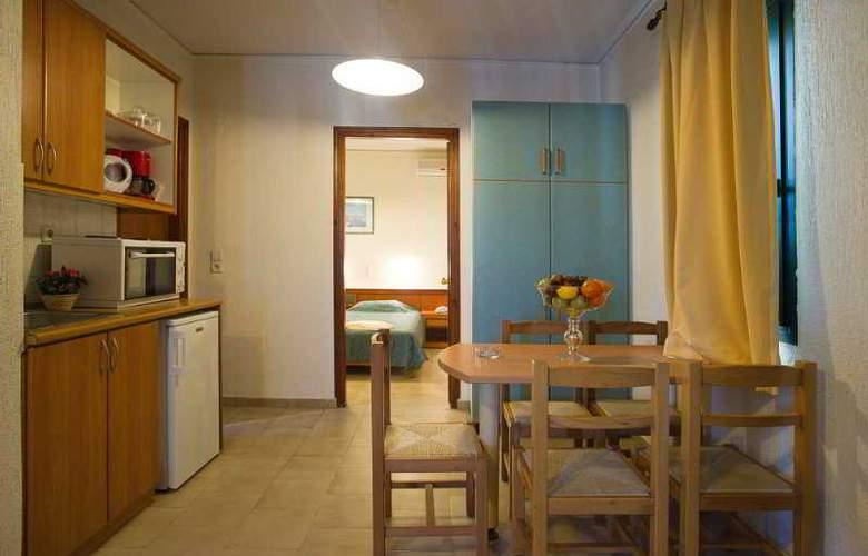 Rainbow Apartments - Room - 8