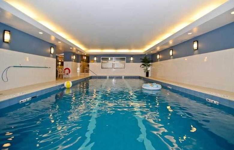 Best Western Chocolate Lake Hotel - Hotel - 46