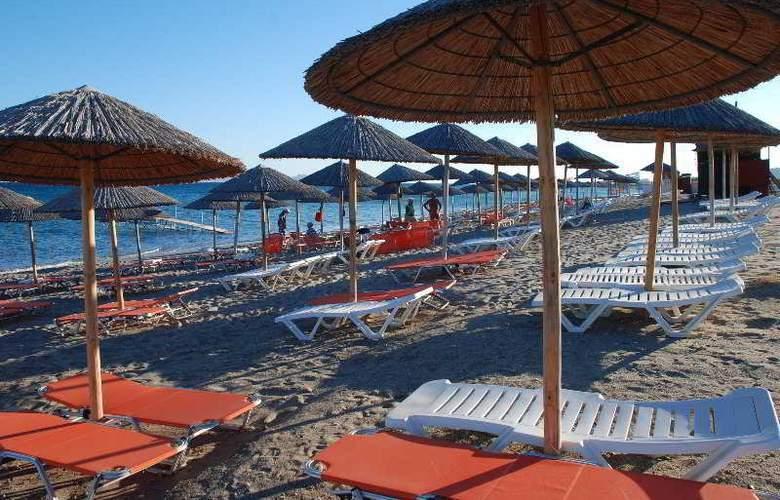 Sovereign Beach - Beach - 5