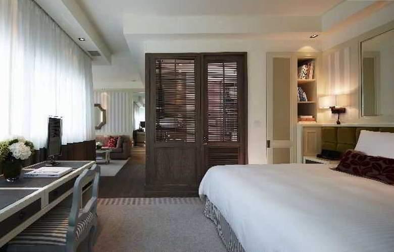 Lanson Place - Room - 10