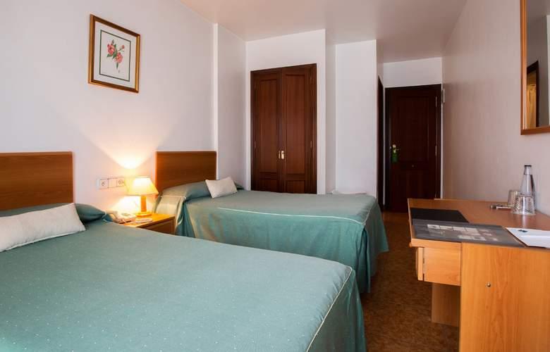 Madrid - Room - 7
