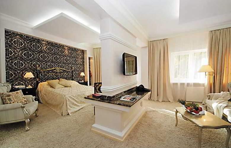 Peak Hotel - Room - 6