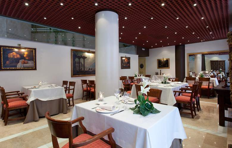Granada Center - Restaurant - 3