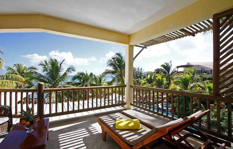 Hibiscus Beach Resort & Spa - Terrace - 22