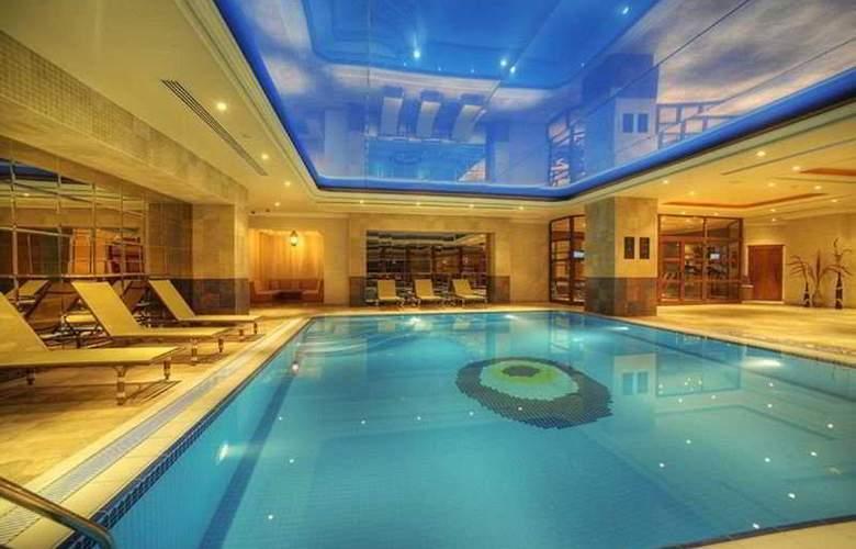 Elite World Prestige - Pool - 5