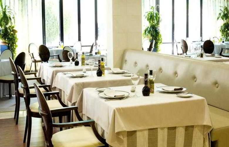 Osuna - Restaurant - 3