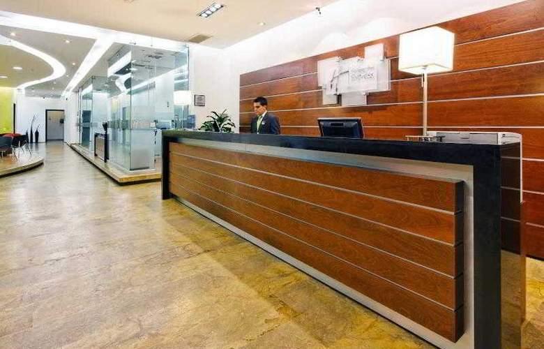 Holiday Inn Express Medellin - Hotel - 6
