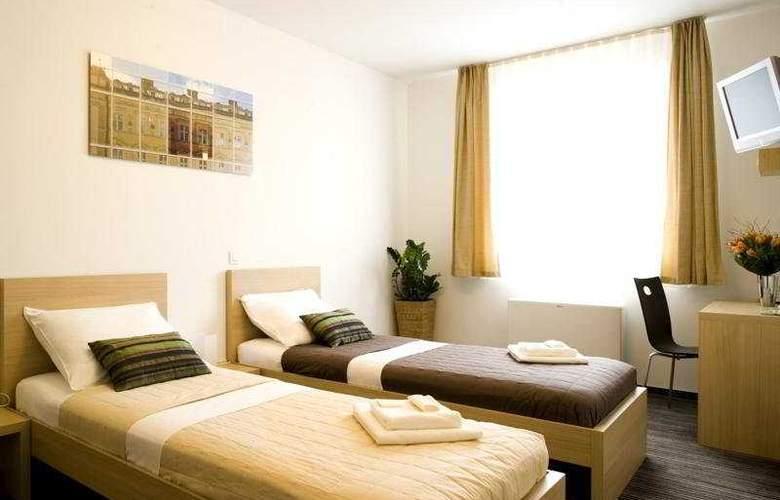 Ahotel Ljubljana - Room - 3