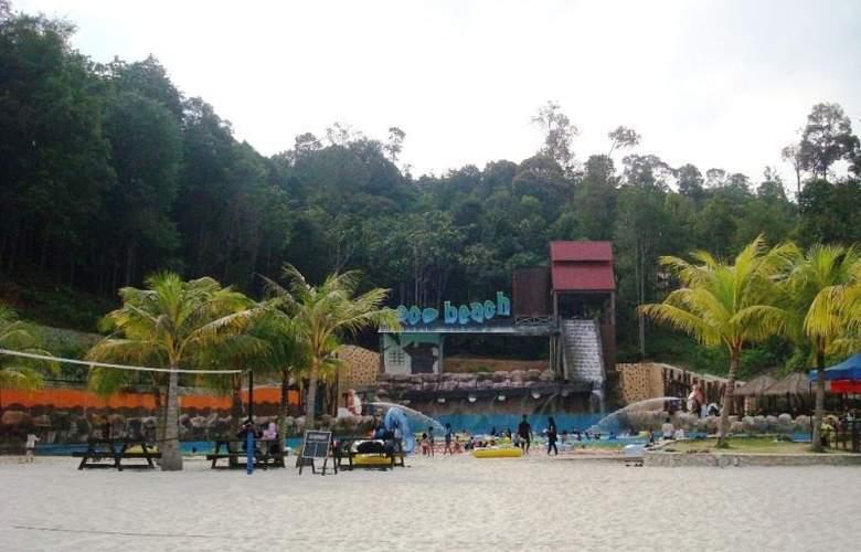 Caribbean Bay Resort-Bukit Gambang Resort City - Hotel - 4