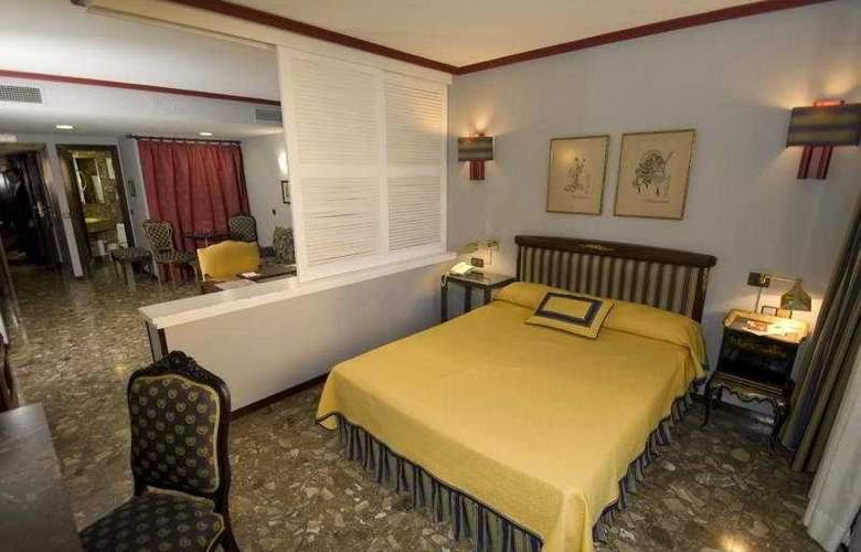 Foxa 32 - Room - 5