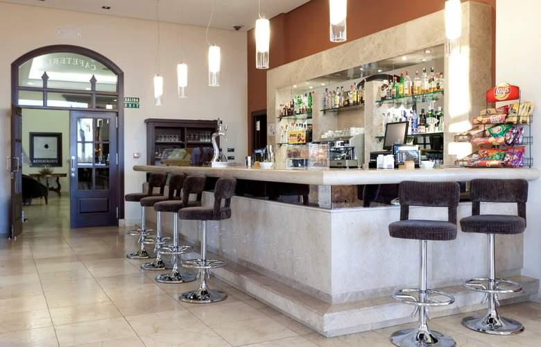 Senator Mar Menor Golf & Spa Resort - Bar - 4
