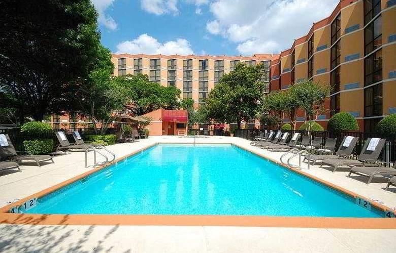 Crowne Plaza Hotel Austin - Pool - 3