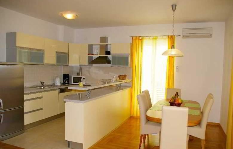 Pervanovo Apartments - Room - 11