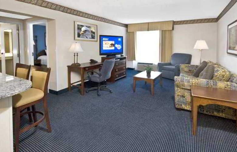 Hampton Inn & Suites Raleigh-Cary I-40 RBC - Hotel - 3