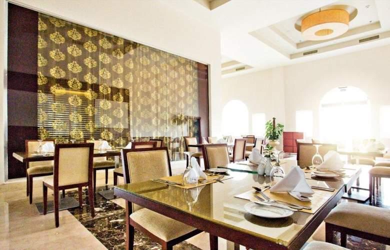 SUNRISE Grand Select Montemare Resort (Sólo Adultos) - Restaurant - 3