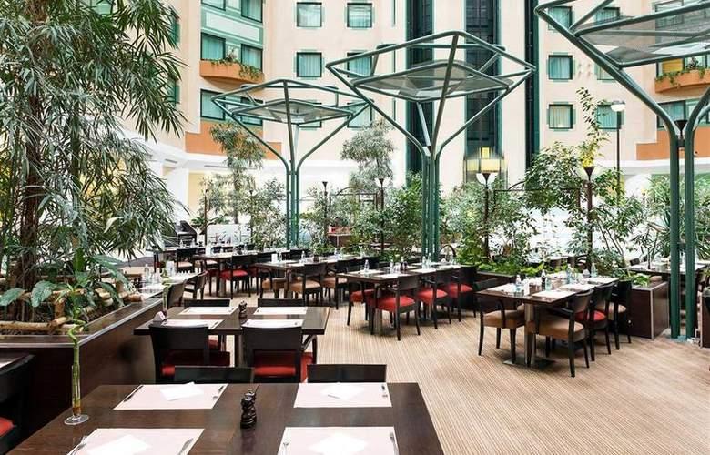 Novotel Moscow Sheremetyevo Airport - Restaurant - 49