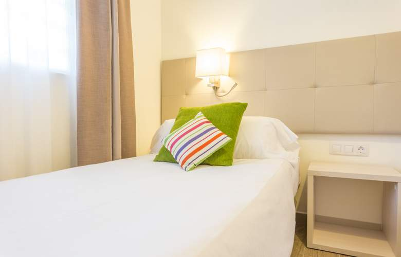 Hotel & Spa Ferrer Janeiro - Room - 12