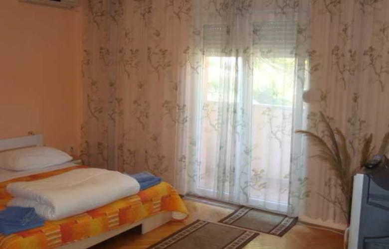 Villa Luketa - Room - 4