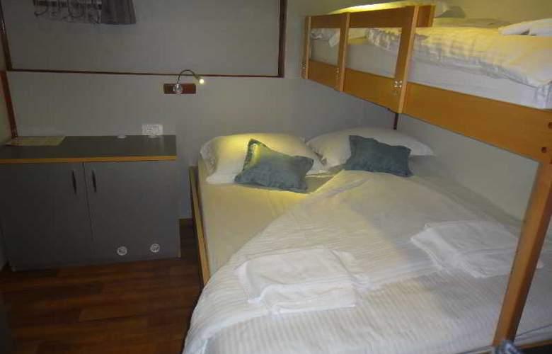 Cruise from Dubrovnik on M/S Leonardo - Room - 9