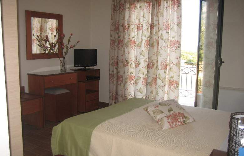 Korallis Villas - Room - 2