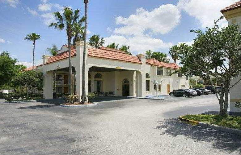 Best Western Orlando East Inn & Suites - Hotel - 3